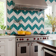 Фотография: Кухня и столовая в стиле Кантри, Декор интерьера, Дом, Декор дома, Текстиль – фото на InMyRoom.ru