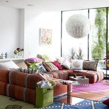 Фотография: Гостиная в стиле Современный, Декор интерьера, Квартира, Текстиль – фото на InMyRoom.ru