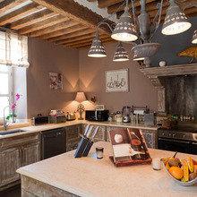 Фотография: Кухня и столовая в стиле Кантри, Франция, Дома и квартиры, Городские места, Отель, Прованс – фото на InMyRoom.ru