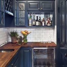 Фотография: Кухня и столовая в стиле Кантри, Квартира, Мебель и свет, Переделка, Ремонт на практике – фото на InMyRoom.ru