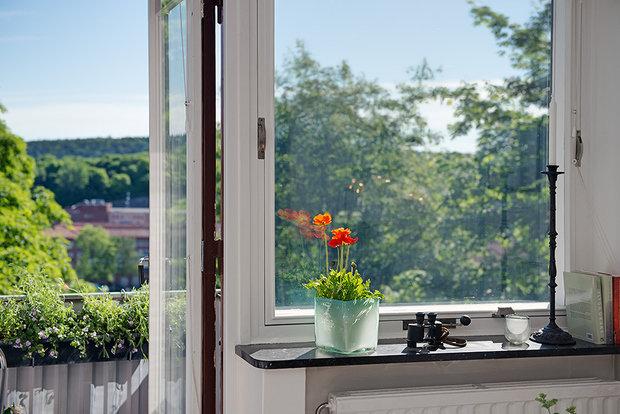 Фотография: Балкон, Терраса в стиле Скандинавский, Современный, Малогабаритная квартира, Квартира, Швеция, Мебель и свет, Дома и квартиры – фото на InMyRoom.ru
