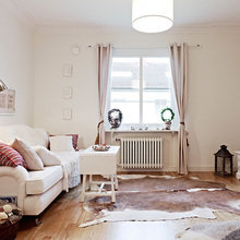 Фотография: Гостиная в стиле Скандинавский, Малогабаритная квартира, Квартира, Швеция, Цвет в интерьере, Дома и квартиры, Белый, IKEA, Бежевый – фото на InMyRoom.ru