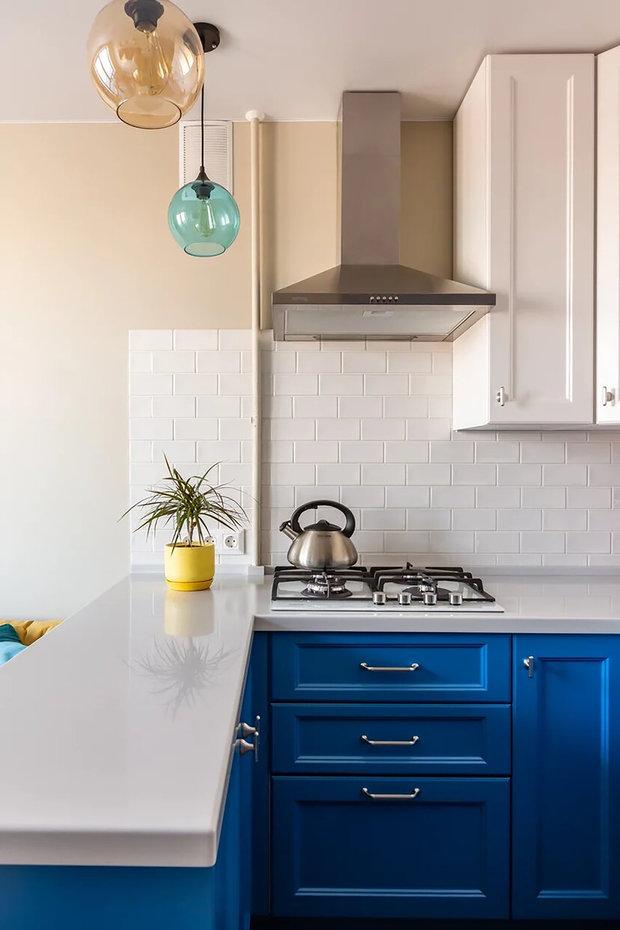 Фотография: Кухня и столовая в стиле Современный, Малогабаритная квартира, Квартира, Советы, Проект недели, Buro Brainstorm, 1 комната, до 40 метров – фото на INMYROOM