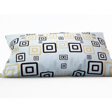 Декоративная подушка: Необычные квадраты