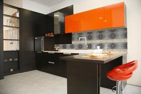 Фотография: Кухня и столовая в стиле Хай-тек, Декор интерьера, Дом, Декор дома, Плитка, Мозаика, Кухонный фартук – фото на InMyRoom.ru