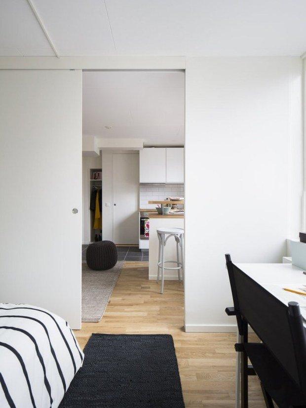 Фотография: Спальня в стиле Скандинавский, Современный, Малогабаритная квартира, Квартира, Планировки, Хранение – фото на InMyRoom.ru