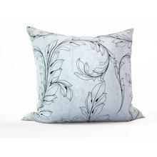 Декоративная подушка: Стилизованная растительность