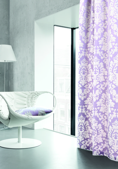 Фотография: Прихожая в стиле Классический, Современный, Декор интерьера, Дизайн интерьера, Мебель и свет, Цвет в интерьере, Стены, Розовый, Фуксия – фото на InMyRoom.ru
