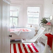 Фотография: Ванная в стиле Скандинавский, Дом, Цвет в интерьере, Дома и квартиры, Белый, Красный – фото на InMyRoom.ru