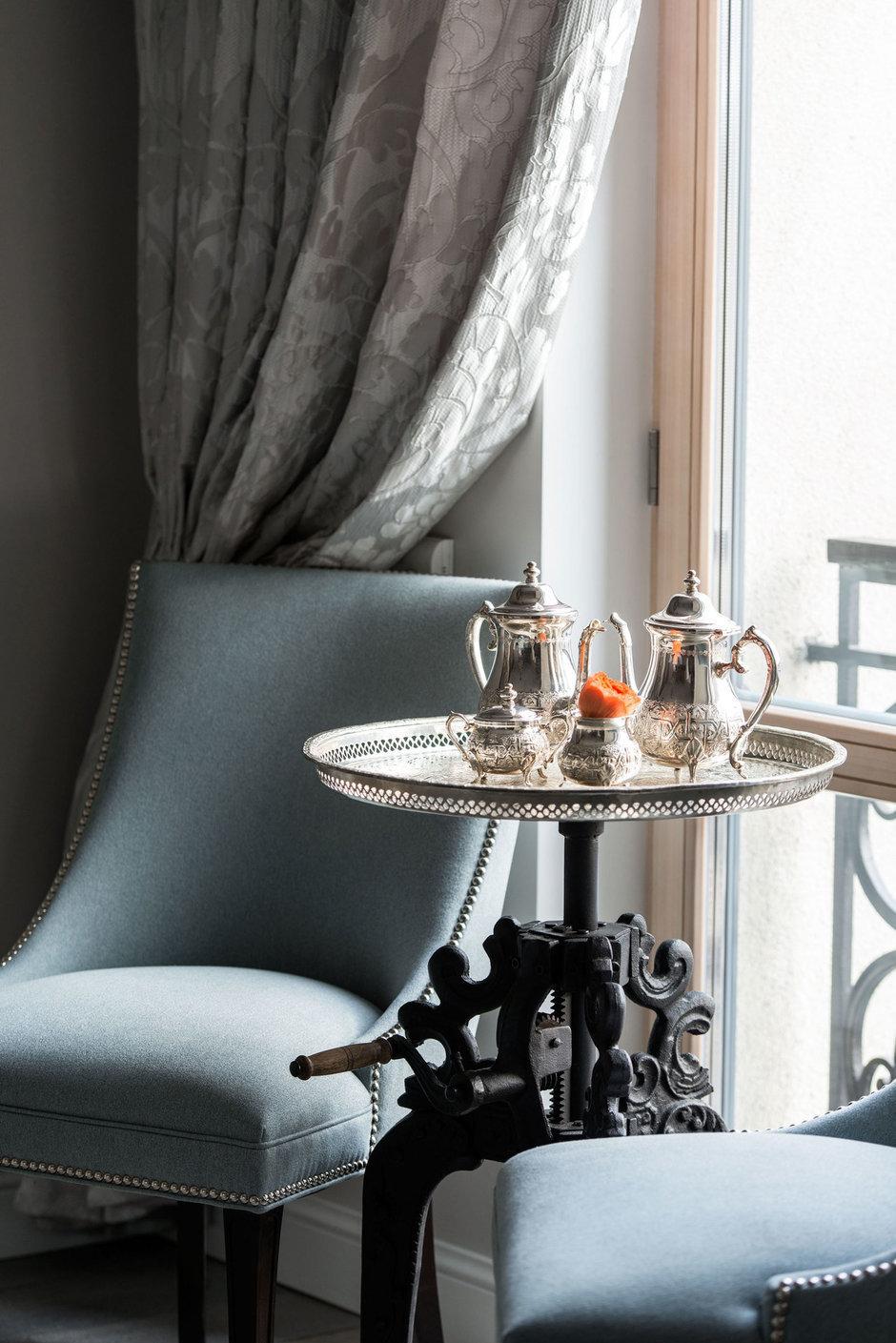 Фотография: Мебель и свет в стиле Классический, Квартира, Проект недели, Москва, Виктория Киорсак, 4 и больше, Более 90 метров – фото на InMyRoom.ru