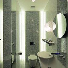 Фото из портфолио Гостевой санузел в минималистичном стиле – фотографии дизайна интерьеров на InMyRoom.ru