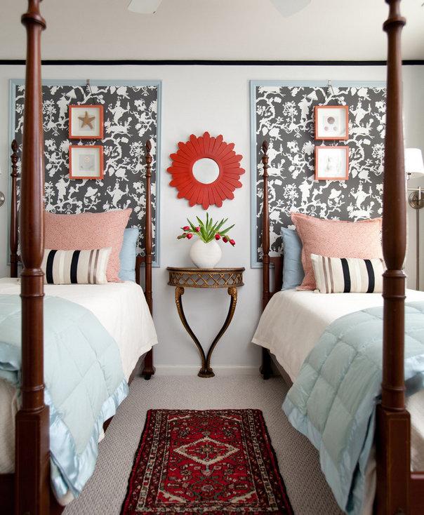 Фотография: Спальня в стиле Прованс и Кантри, Декор интерьера, DIY, Обои – фото на InMyRoom.ru