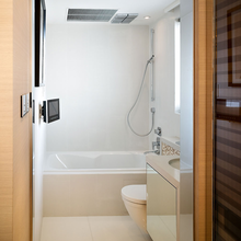 Фотография: Ванная в стиле Современный, Малогабаритная квартира, Квартира, Дома и квартиры, Квартиры – фото на InMyRoom.ru