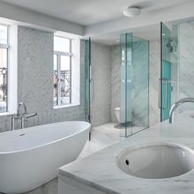 Фото из портфолио Головокружительные ванные комнаты класса ЛЮКС – фотографии дизайна интерьеров на InMyRoom.ru