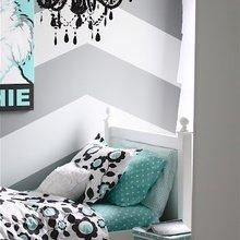 Фотография: Спальня в стиле Эклектика, Классический, Декор интерьера, DIY, Мебель и свет, Советы, Люстра – фото на InMyRoom.ru