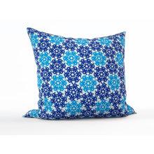 Диванная подушка: Снежинки