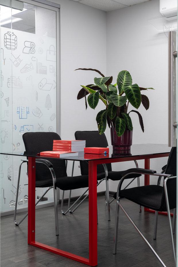 Фото из портфолио офис для Stencom – фотографии дизайна интерьеров на INMYROOM