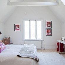 Фотография: Спальня в стиле Скандинавский, Дом, Швеция, Цвет в интерьере, Дома и квартиры, Белый – фото на InMyRoom.ru