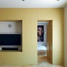 Фотография: Гостиная в стиле Минимализм, Малогабаритная квартира, Квартира, Цвет в интерьере, Дома и квартиры, Белый – фото на InMyRoom.ru