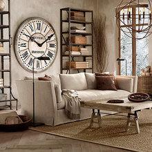 Фотография: Гостиная в стиле Классический, Современный, Декор интерьера, Часы, Декор дома – фото на InMyRoom.ru