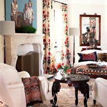 Фотография: Гостиная в стиле Восточный, Эклектика, Дом, Цвет в интерьере, Дома и квартиры – фото на InMyRoom.ru