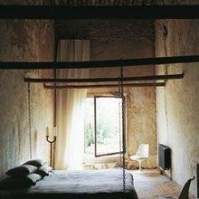 Фотография: Спальня в стиле Кантри, Кухня и столовая, Дом, Дома и квартиры, Переделка, Бассейн, Стены, Балки – фото на InMyRoom.ru