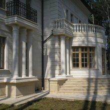 Фото из портфолио Фасад из белого натурального камня. – фотографии дизайна интерьеров на InMyRoom.ru
