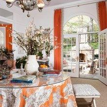 Фотография: Кухня и столовая в стиле Кантри, Классический, Современный, Декор интерьера, Дизайн интерьера, Цвет в интерьере, Оранжевый – фото на InMyRoom.ru