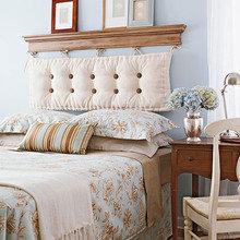 Фотография: Спальня в стиле Кантри, Декор интерьера, DIY, Кровать – фото на InMyRoom.ru