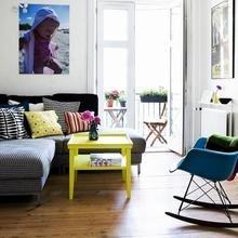 Фотография: Гостиная в стиле Скандинавский, Современный, Эклектика, Декор интерьера, Малогабаритная квартира, Квартира, Интерьер комнат, Мебель и свет, Цвет в интерьере, Тема месяца – фото на InMyRoom.ru