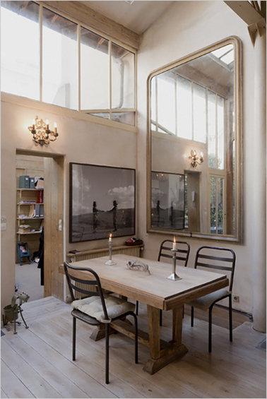 Фотография: Кухня и столовая в стиле Прованс и Кантри, Дом, Дома и квартиры, Лестница – фото на InMyRoom.ru
