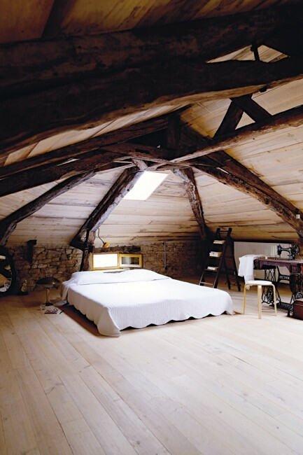Фотография: Спальня в стиле Прованс и Кантри, Современный, Чердак, Мансарда – фото на InMyRoom.ru