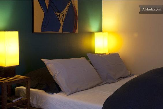 Фотография: Спальня в стиле Современный, Декор интерьера, Малогабаритная квартира, Квартира, Дома и квартиры, Airbnb – фото на InMyRoom.ru