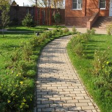 Фотография: Ландшафт в стиле , Советы, садовая дорожка, как сделать дорожку в саду, идеи садовых дорожек – фото на InMyRoom.ru