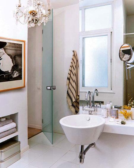 Фотография: Ванная в стиле Эклектика, Декор интерьера, Квартира, Цвет в интерьере, Дома и квартиры, Стены – фото на InMyRoom.ru