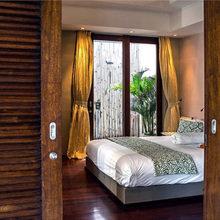 Фотография: Спальня в стиле Современный, Дом, Дома и квартиры, Городские места, Бали – фото на InMyRoom.ru