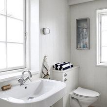 Фотография: Ванная в стиле Скандинавский, Дом, Цвет в интерьере, Дома и квартиры, Белый – фото на InMyRoom.ru