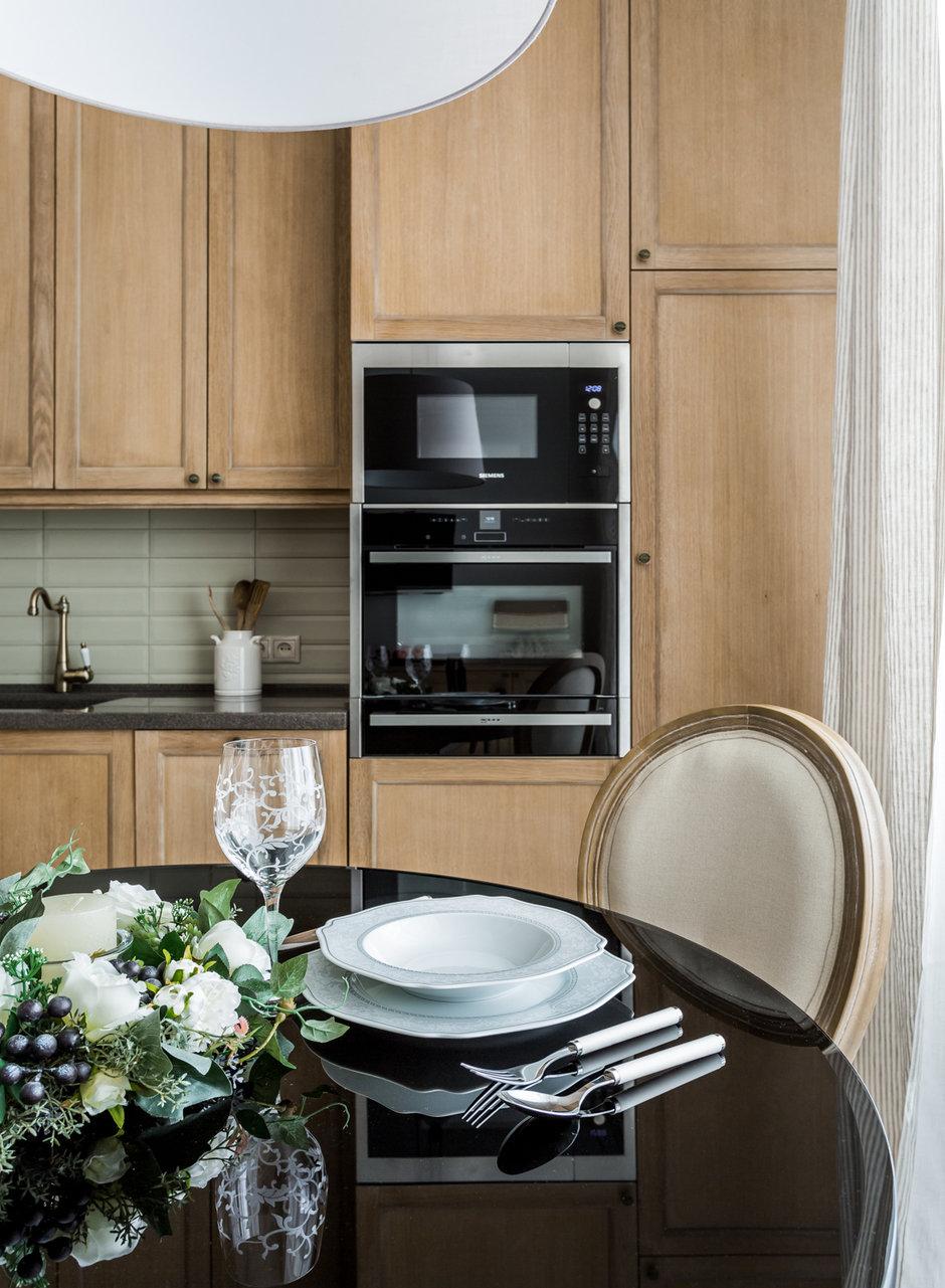 Фотография: Кухня и столовая в стиле Классический, Современный, Квартира, Проект недели, Москва, Монолитный дом, 2 комнаты, 60-90 метров, Елена Лазутина – фото на InMyRoom.ru