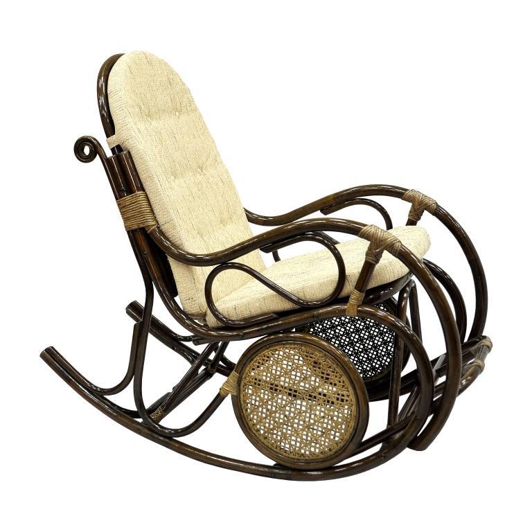 Кресло-качалка с подножкой из натурального ротанга