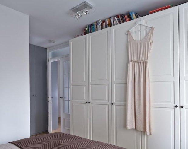 Фотография: Спальня в стиле Скандинавский, Квартира, Цвет в интерьере, Дома и квартиры, Перепланировка, Серый – фото на InMyRoom.ru