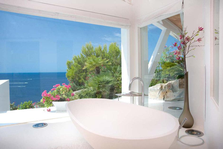 Фотография: Ванная в стиле Современный, Декор интерьера, Дом, Испания, Дома и квартиры – фото на InMyRoom.ru