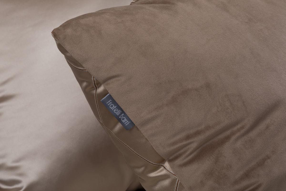 Комплект Brigida из покрывала с саше и подушками