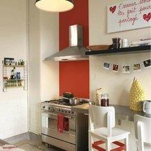 Фотография: Кухня и столовая в стиле Скандинавский, Декор интерьера, Дизайн интерьера, Цвет в интерьере, Красный, Dulux, Розовый – фото на InMyRoom.ru