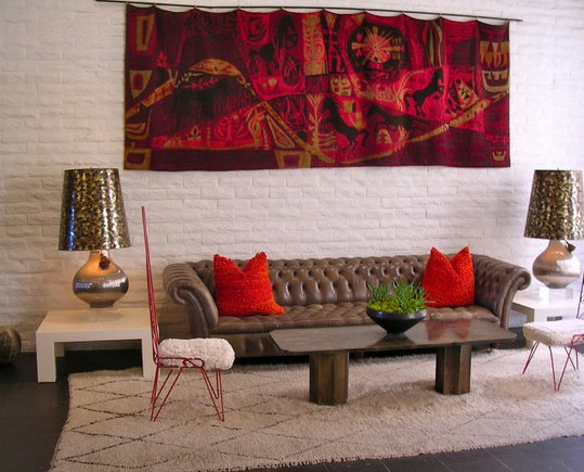 Фотография: Гостиная в стиле Эклектика, Декор интерьера, Декор дома, Цвет в интерьере, Обои – фото на InMyRoom.ru