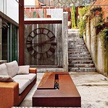 Фотография: Балкон, Терраса в стиле Кантри, Современный, Декор интерьера, Часы, Декор дома – фото на InMyRoom.ru