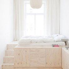 Фотография: Спальня в стиле Минимализм, Малогабаритная квартира, Квартира, Советы, Бежевый, Бирюзовый, Зонирование, как зонировать комнату, как зонировать однушку, как зонировать однокомнатную квартиру – фото на InMyRoom.ru