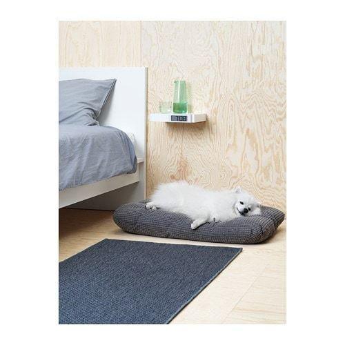 Фотография: Спальня в стиле Скандинавский, Гид, ИКЕА, ИКЕА, животные дома – фото на INMYROOM