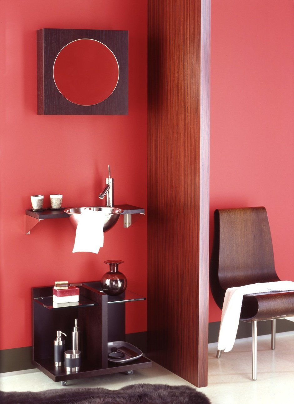Фотография: Ванная в стиле Современный, Декор интерьера, Дизайн интерьера, Цвет в интерьере, Красный – фото на InMyRoom.ru