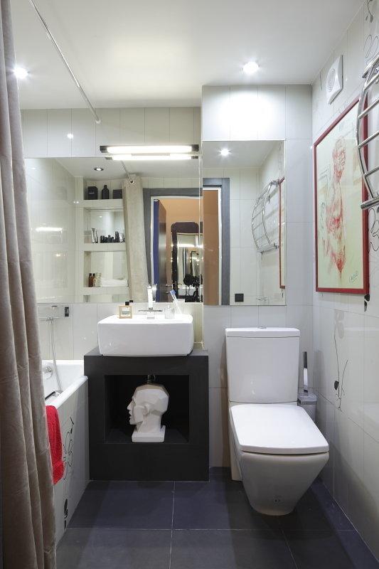 Фотография: Ванная в стиле Хай-тек, Малогабаритная квартира, Квартира, Студия, Дома и квартиры, Проект недели – фото на InMyRoom.ru