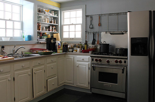 Фотография: Кухня и столовая в стиле Прованс и Кантри, Дом, Переделка, Дом и дача – фото на InMyRoom.ru
